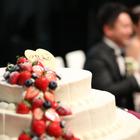 ケーキと新郎新婦